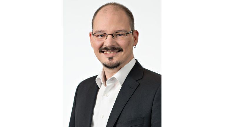 Marcel Binder: Mit V-NAND-Technologie kann der künftige Bedarf für Privatanwender und Unternehmenskunden bedient werden. Schon jetzt sind für den professionellen Bereich Kapazitäten von etwa 16 Terabyte mit der V-NAND-Technologie realisierbar.