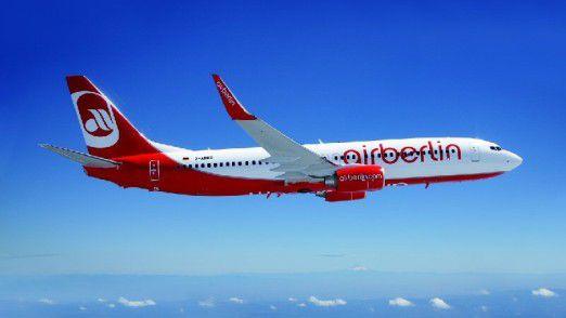 Air Berlin schwächelt und die Lufthansa würde gern überstützen.