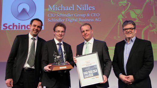 Das Gewinner-Team von Schindler: Stefan Gruber, Enrico Senger, CIO Michael Nilles und Hansjörg Magli (von links).