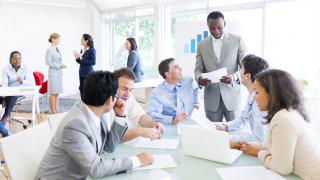 Praxisbeispiele: Digitalteams brauchen 5 Mitarbeiter-Rollen - Foto: Rawpixel - shutterstock.com