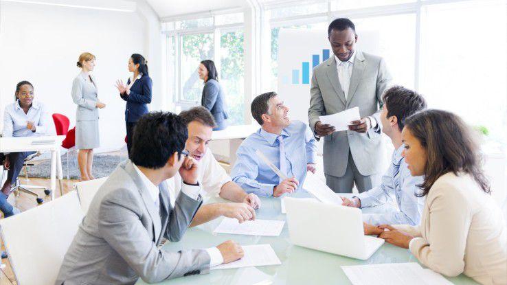 Als Chef sollte man seinen Mitarbeitern auf Augenhöhe begegnen.