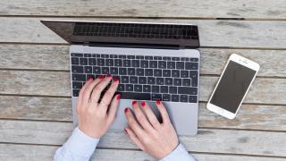 Mythos und Wahrheit: Macbook, iPad, iPhone: Was dem Akku wirklich hilft - Foto: Macwelt