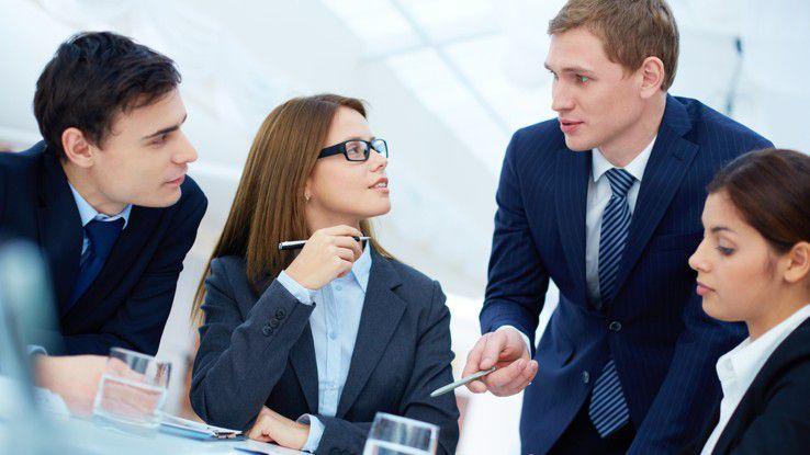 Arbeitet ein Unternehmen mit Selbstständigen zusammen, kann es sein, dass das Know how plötzlich schneller wieder verschwunden ist, als geplant.