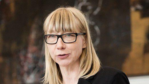 Die Soziologie-Professorin Sabine Pfeiffer von der Uni Hohenheim rät Chefs dazu, ihrem Team beim Thema Industrie 4.0 mehr zuzutrauen.