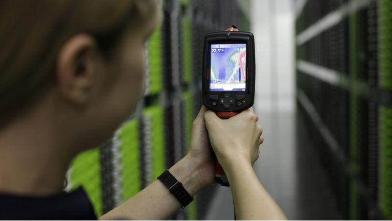 Eine effiziente Klimatisierung des Server-Raum ist Pflicht. Das spart Energie und erhöht die Leistung der Systeme.