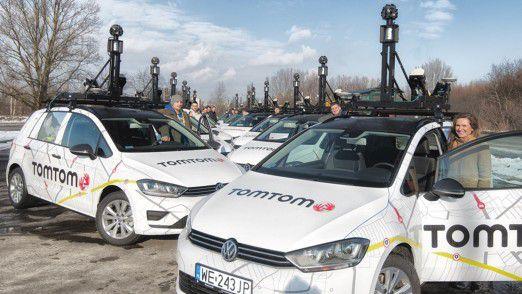 Um die Kartendaten aktuell zu halten, wird die Kartierungsflotte von TomTom weiter regelmäßig im Straßenverkehr unterwegs sein und neue Straßen und Streckenführungen genau vermessen.