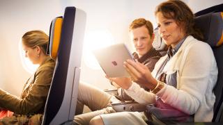 Wlan bei Lufthansa und Air Berlin: Internet im Flugzeug für Airlines ein Zukunftsgeschäft - Foto: Lufthansa Group