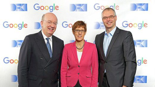 v.l. Wolfgang Wahlster, CEO DFKI, Ministerpräsidentin Kramp-Karrenbauer, Wieland Holfelder, Engineering Director, Google Germany