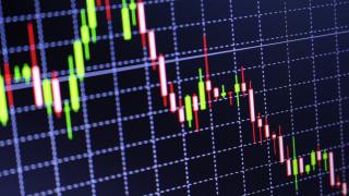 Sammelkläger: Deutsche Bank hat mit Software Kundenaufträge verzögert - Foto: autsawin uttisin - shutterstock.com