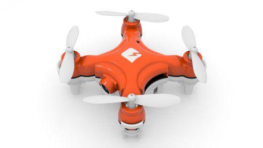 Die SKEYE Nano Drohne ist 4x4 x 2,2 cm groß und wiegt 14 Gramm.