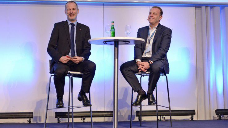 Hamburger IT-Strategietage: Schindler CIO Michael Nilles (rechts) im Interview mit Moderator Horst Ellermann.