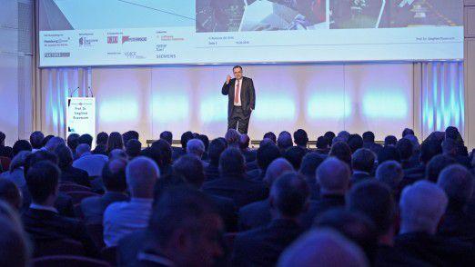 Prof. Dr. Siegfried Russwurm, Mitglied des Vorstands der Siemens AG, konnte auf den Hamburger Strategietagen die CIOs begeistern.