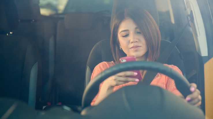 Ein neuer Autofahrer-Modus soll demnächst die Ablenkung durch Smartphones am Steuer minimieren.