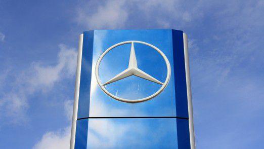 Experten sind sich einig: Auch über Daimler liegt inzwischen eine düstere Diesel-Wolke.