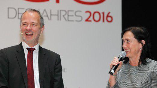 """Mit Evonik-CIO Bettina Uhlich sprach Moderator Horst Ellermann beim Post-Event zum """"CIO des Jahres"""" 2016 über das Schlagwort Ecosystem."""