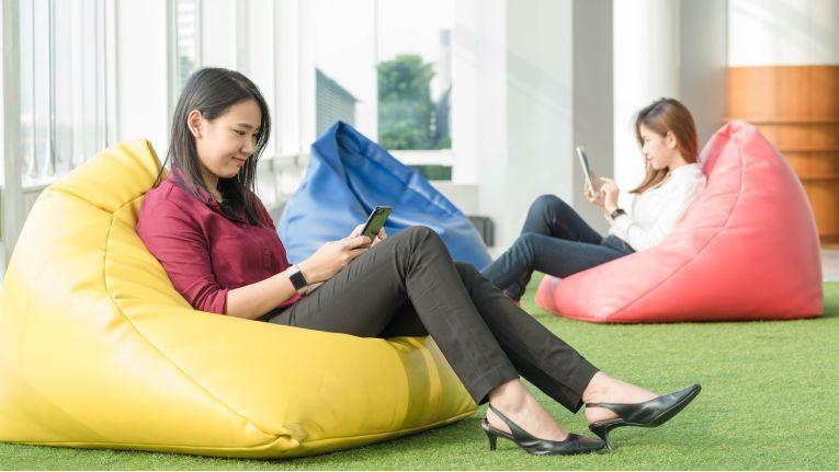 E-Mails verschlechtern die Teamarbeit: Man könnte auch miteinander reden.