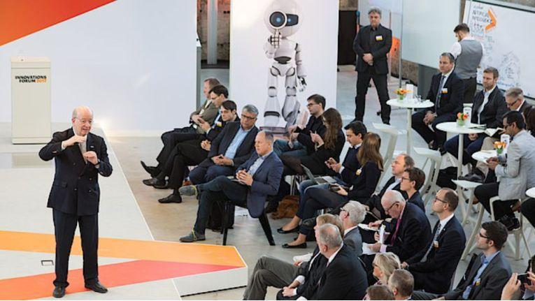 Professor Wolfgang Wahlster war einer der Redner auf dem Accenture Innovationsforum 2017 in München.