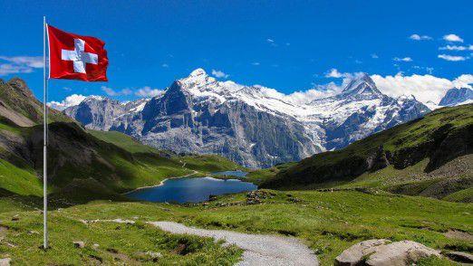 Gute Aussichten: Konzernchef sein lohnt sich in der Schweiz. Unter den größten Firmen in Europa verdienten Chefs dort 2015 im Durchschnitt umgerechnet 7,7 Millionen Euro, so viel wie nirgends sonst.