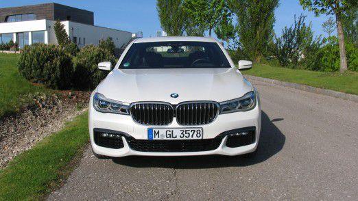 Der Testwagen: BMW 730d mit dem M Sportpaket in Mineralweiß metallic.