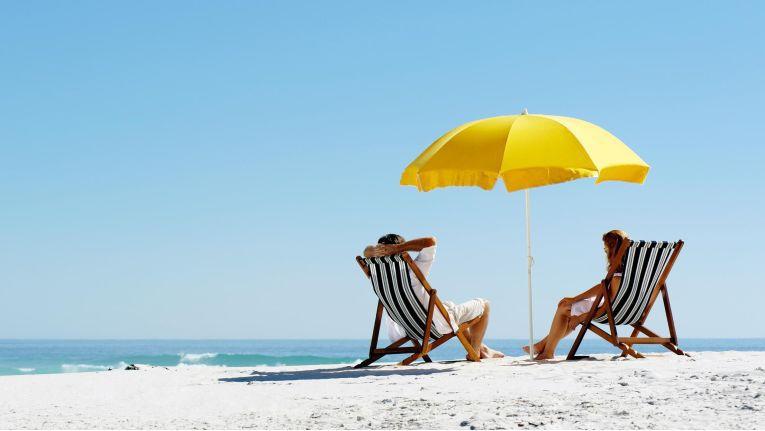 Viele Arbeitnehmer sind auch im Urlaub beruflich erreichbar.