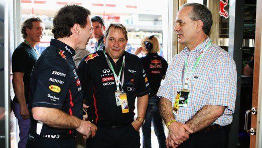 Red-Bull-Teamchef Christian Horner (von links) 2014 im Gespräch mit CIO Matt Cadieux und AT&T-Vorstand Andy Geiss.