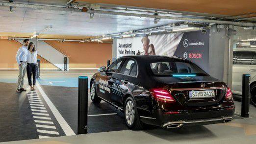 Fahrerloses Parken: Automatisiert zum Parkplatz und zurück.