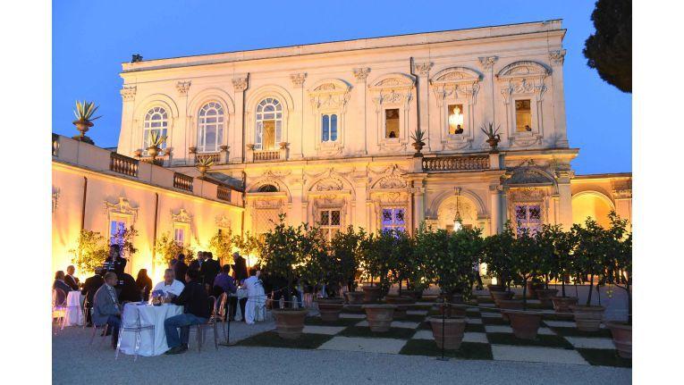 """""""Ohne den Einsatz unserer Partner stünde Sophos nicht dort, wo wir uns heute befinden"""": In der Villa Aurelia in Rom bedankte sich das Management von Sophos bei 500 angereisten Partnern aus Europa."""