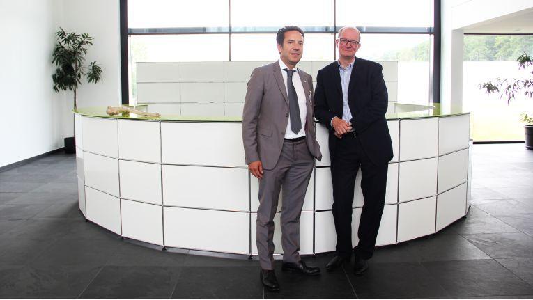 Die Herweck-Vorstände Jörg Herweck und Dieter Philippi wollen mit ihrem CeBIT-Auftritt das Systemhaus- und Lösungsgeschäft voran bringen.