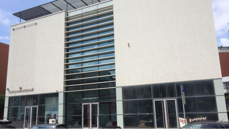 Ab dem 1. Oktober 2015 soll die zusammengelegte Geschäftsstelle Hannover unter der Adresse Günther-Wagner-Allee 7 (Bild) erreichbar sein. Das neue Servicebüro am Europahafen in der Bremer Konsul-Smidt-Straße nimmt seine Arbeit schon zum 01. August 2015 auf.