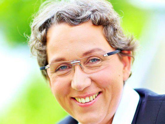 Christa Weidner ist Sprecherin der Arbeitsgruppe Scheinselbständigkeit des VGSD, selbständige IT-Beraterin, Buchautorin, Trainerin und Vortragsrednerin.