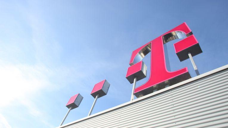 Zur CeBIT 2016 will die Telekom mit der eigenen Open Telekom Cloud den US-Anbietern Konkurrenz machen.