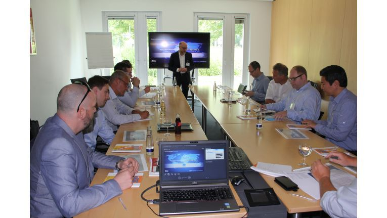 Engagiert und kontrovers diskutierten die Roundtable-Teilnehmer über die Zukunft der Cloud-Telefonie.