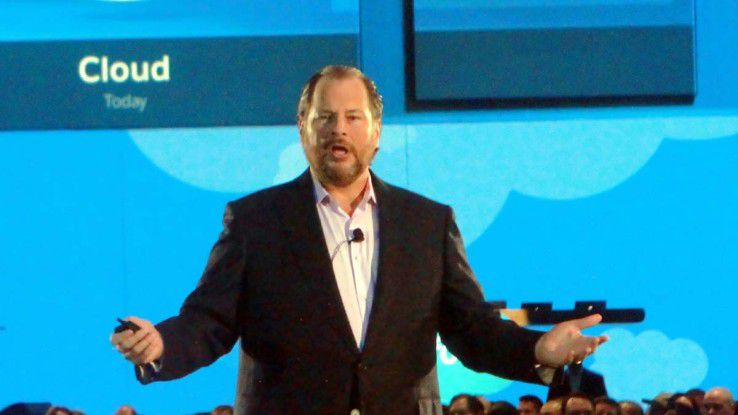Salesforce-Boss Mark Benioff wollte eigentlich selbst LinkedIn übernehmen. Jetzt, wo Microsoft am Zuge ist, meldet er ernsthafte wettbewerbsrechtliche Bedenken an.