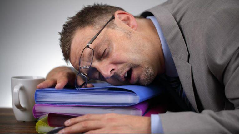 Wenn der Workflow zum erliegen kommt, helfen unsere sieben Tipps für mehr Produktivität im Office.