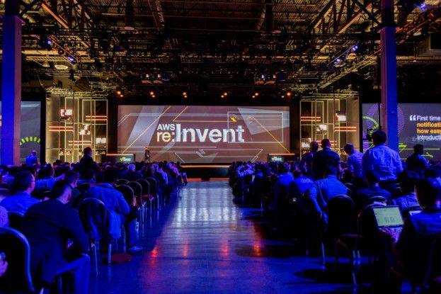 Gespannte Erwartungen im gute gefüllten Saal auf der re:Invent von Amazon.