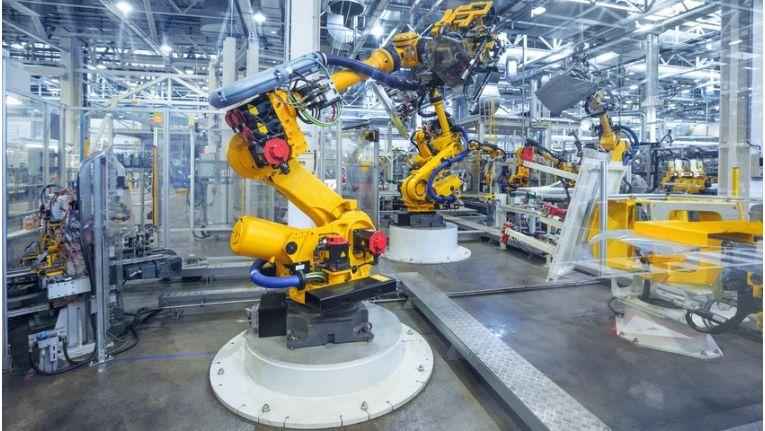 Industrie 4.0 steht für eine intelligente Vernetzung von Produktentwicklung, Produktion, Logistik und Kunden.