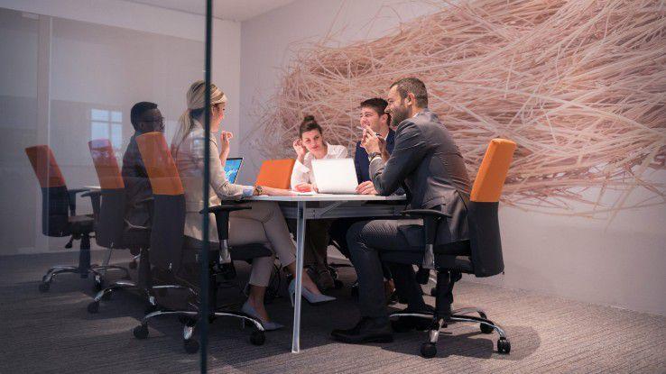 Agile Softwareentwicklung erfordert Entwickler, die Teamgeist haben und um die Ecke denken können.