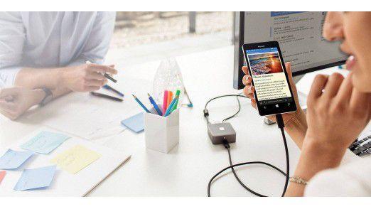 Via Display Dock wird Microsoft Lumia 950XL am großen Bildschirm zum PC - wenn der Nutzer eine Office-365-Lizenz hat.