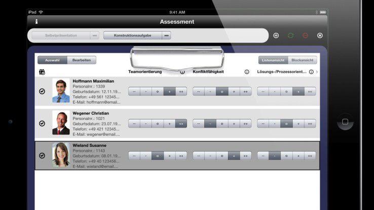 Die Beobachter können auf dem iPad die Kandidaten bewerten, die Auswertung folgt auf dem Fuß.