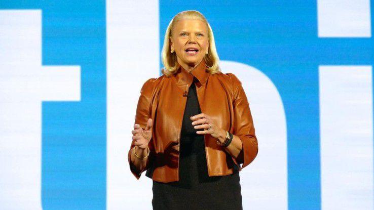 """IBM-Chefin Virginia """"Ginni"""" Rometty bemüht sich, trotz schrumpfender Einnahmen Zuversicht zu verbreiten."""