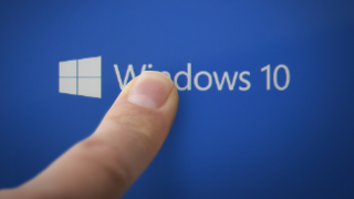 Microsoft: Windows 10 Home soll ab August 120 Dollar kosten - Foto: Anton Watman - Shutterstock.com