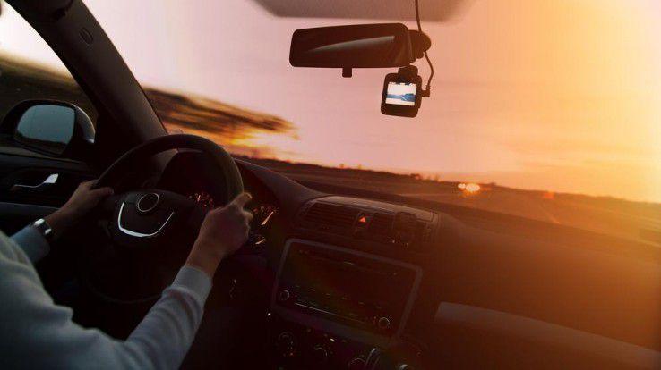Sogenannte Dashcams sind in vielen Ländern bereits Usus unter Autofahrern.