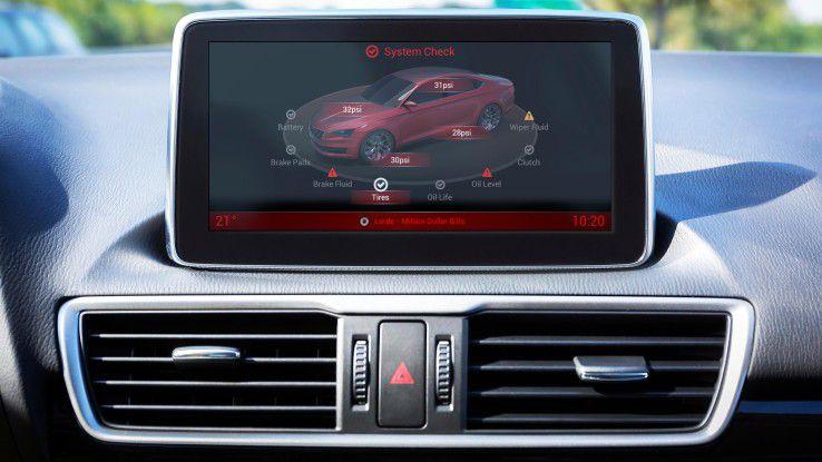 Inrix Autotelligent hilft Autofahrern in allen Lebenslagen - hier etwa bei der Kontrolle des Reifendrucks.