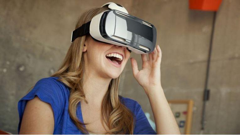 Mit VR-Brillen erleben Sie die virtuelle Realität.