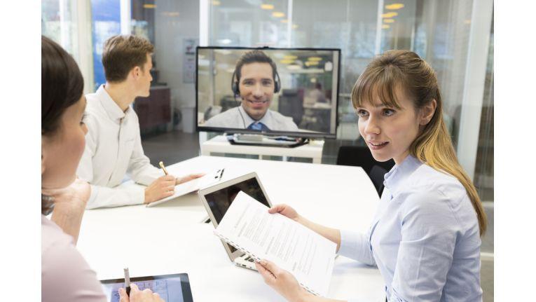 Oft wird der Einsatz von Videokonferenzen auf die Chefetage oder auf spezifische Räume beschränkt.