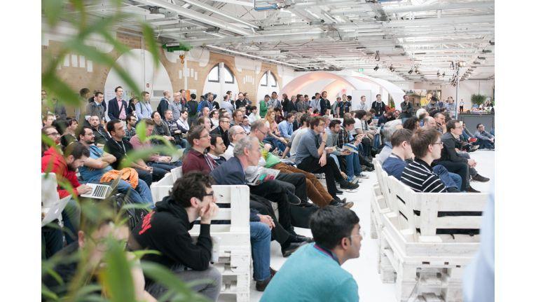 Auf mehreren Bühnen wurde über Cloud-Themen diskutiert.