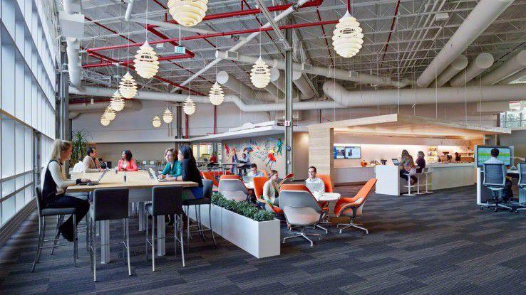 Mitarbeiter benötigen Bereiche, in denen sie sich über Projekte und Ideen austauschen können.