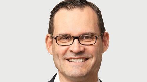 Apple habe sich zu lange auf seinen Lorbeeren ausgeruht, sagt Jens Beier von Fritz & Macziol. Unternehmen verlangten heute Offenheit und Flexibilität. Da passe die Festlegung auf nur ein einziges Betriebssystem nicht in die Zeit.