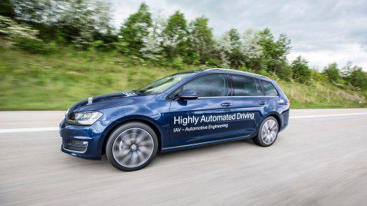 Beim hochautomatisierten Fahren setzt IAV auf die Vernetzung der Teilnehmer.