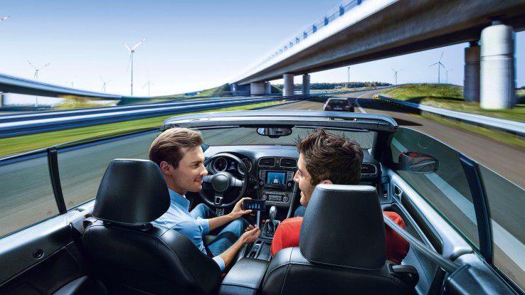 Ein Schwätzchen am Lenkrad ist im autonomen Auto kein Problem.